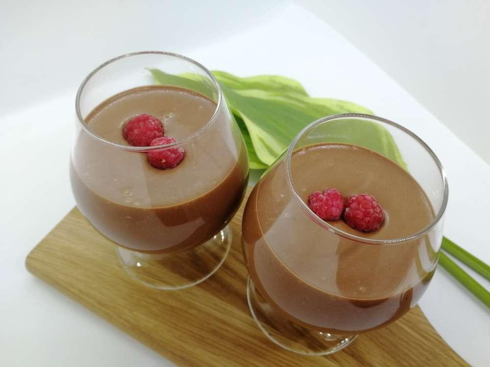 Suklaakiisseli raakakaakaosta ilman kuumentamista